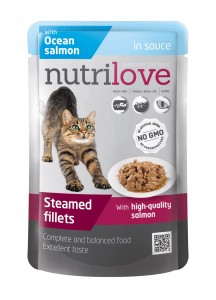 Nutrilove pouch cat SALMON in sauce 85g.jpg